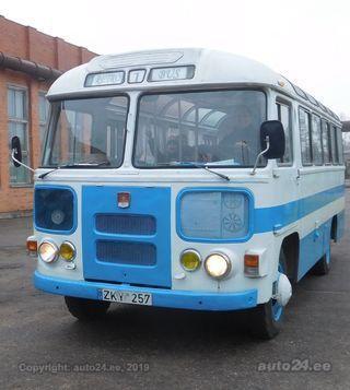 PAZ 672 V8