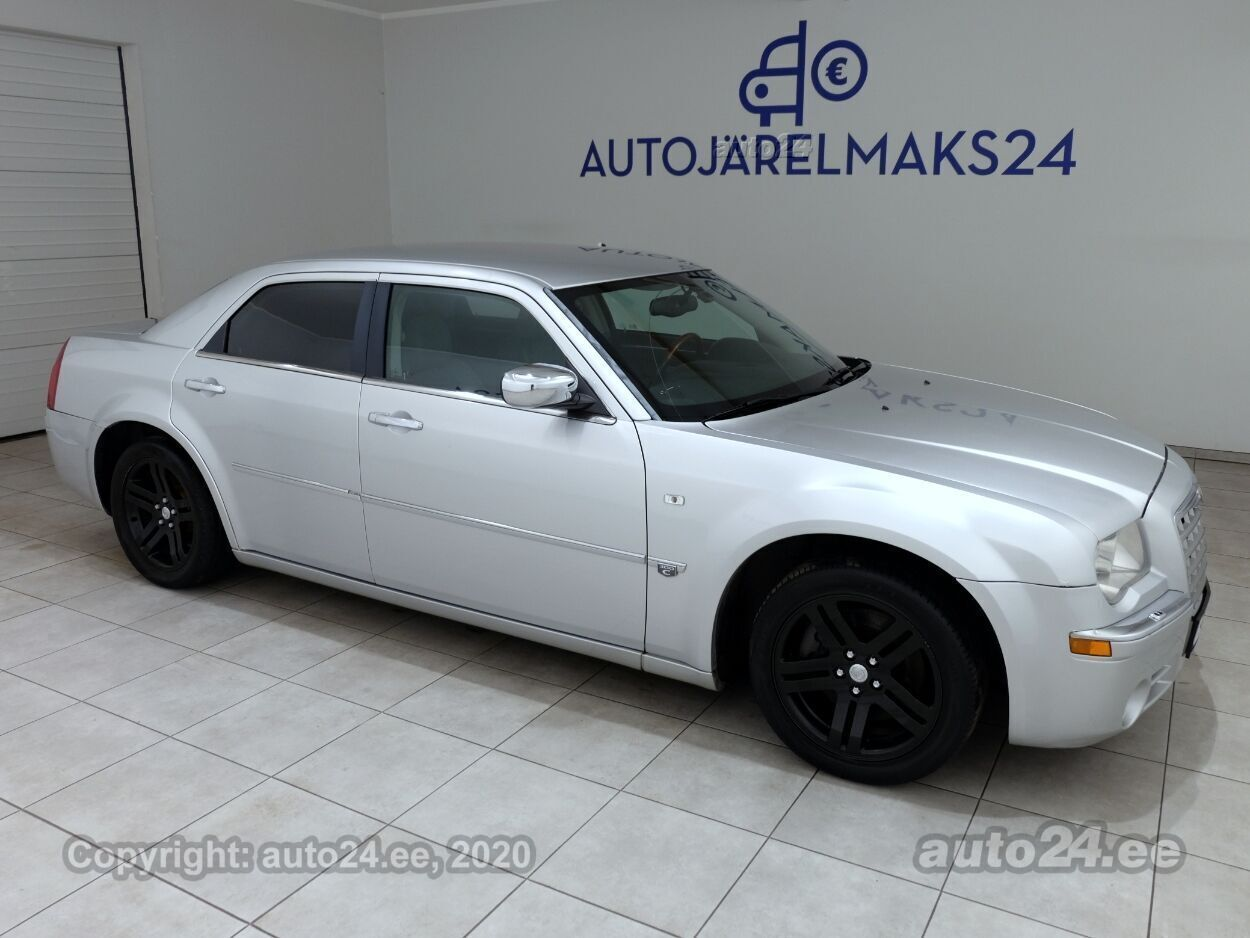 Chrysler 300 C Limited - Photo