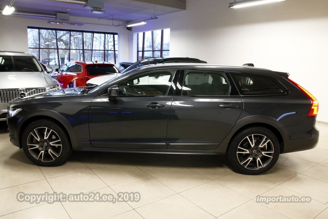 Volvo V90 Cross Country AWD PRO XENIUM WINTER PRO MY18 2.0 D5 173kW