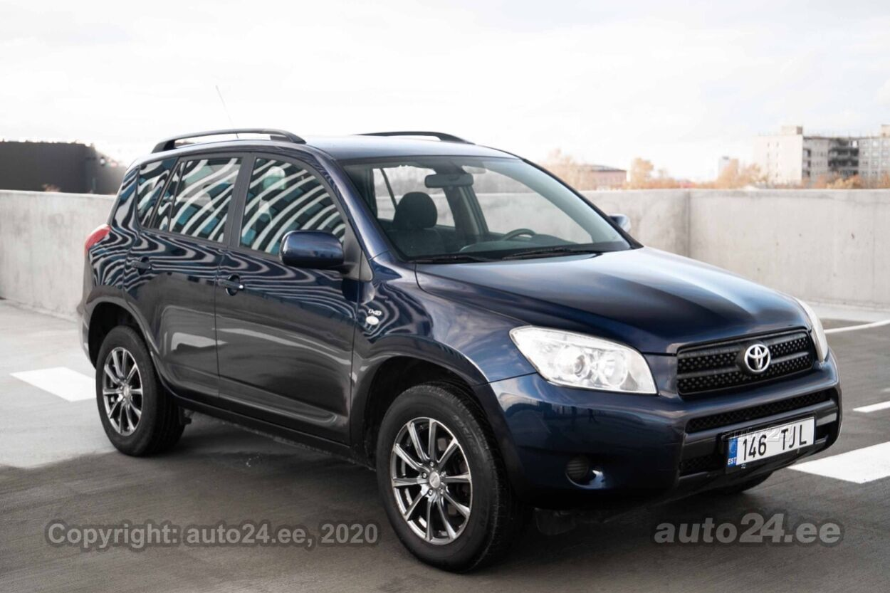 Toyota RAV4 - Photo