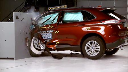 Ford Edge avariitestis. Kaader: Youtube