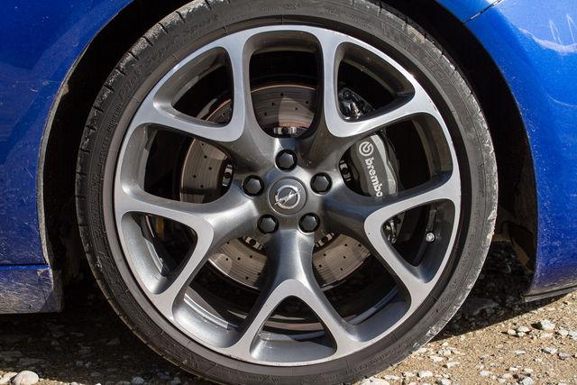 Opel Astra GTC OPC. Foto: Laas Valkonen