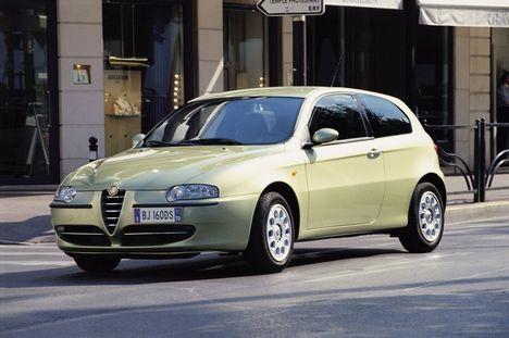 Alfa Romeo ei ole keskmisest kallima hinna tõttu just laiade masside valik, kuid pakub head alternatiivi neile, kellele on oluline sportlik stiil, tunne ja elegants nii auto välimuses, sisemuses kui ka sõidul. Kõike seda leidub ka värskendatud Alfa 147 pardal.