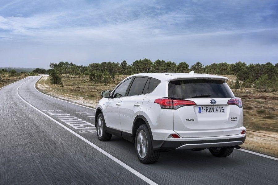 Jaanuaris Eestis alanud kiire tõus uute sõiduautode turul jätkus veebruaris pea sama tempokalt.