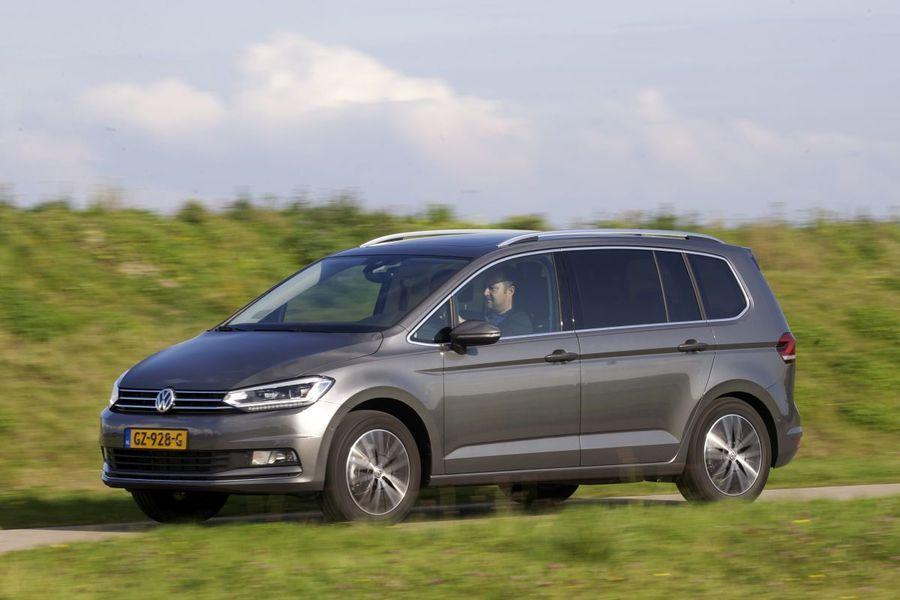 09237809e8f Pereinimeste suureks rõõmuks on Volkswageni praktiline ning mahukas Touran  2015. aastal välja tulnud oma järgmise generatsiooniga.